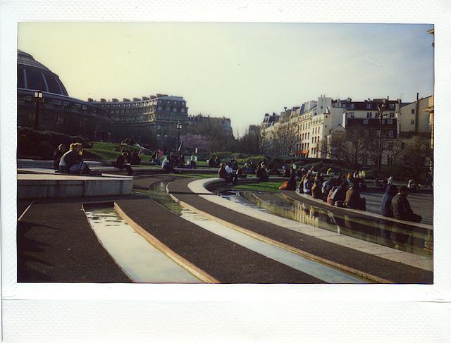 Фотография Парижа, снятая камерой Fuji Instax 200