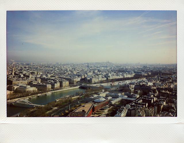 Париж. Вид с Эйфелевой башни. Fuji Instax 200