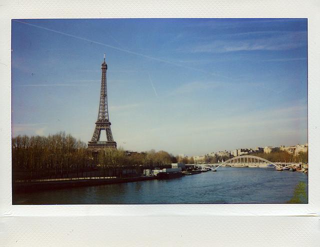 Париж. Эйфелева башня на Fuji Instax 200
