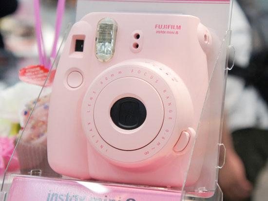 Fujifilm Instax 8. Цвет: розовый