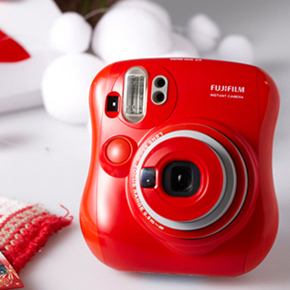 Fuji Instax 25 Mini Red – 6990 руб.