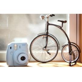 При заказе камеры Fuji Instax Mini 8 до 24 мая, картридж на 10 снимков в подарок!