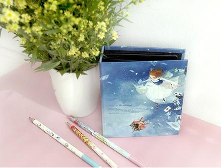 Альбомы для фотографий instax mini Alice in Wonderland