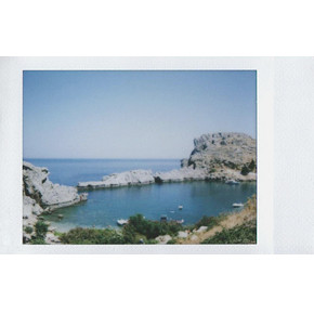 Instax Греция