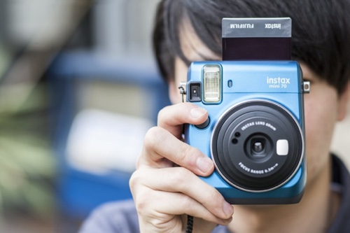 Fujifilm_Instax_mini_70_blue