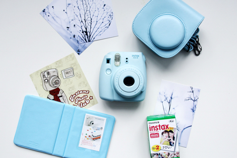 fujifilm-instax-mini-8-blue-kit-blog