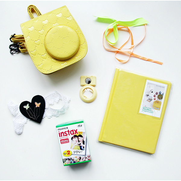 instax-mini-8-set-acsessuars-big-heart-yellow