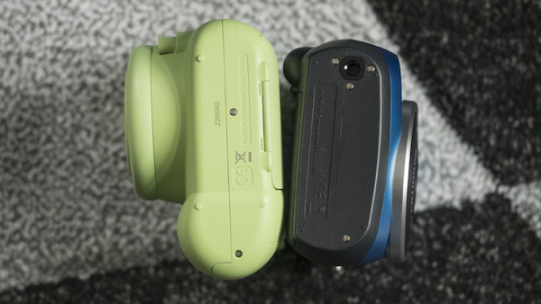 fujifilm-instax-mini-9-vs-70-tripod